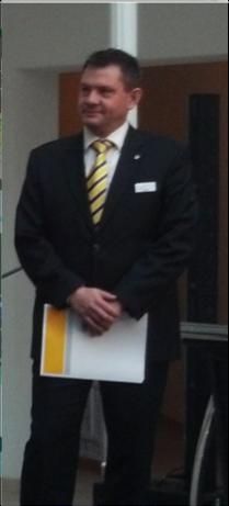 Herr Stefan Koch, Abteilungsdirektor der Commerzbank fand warme Worte für die Auszeichnung des Erfurter LAC